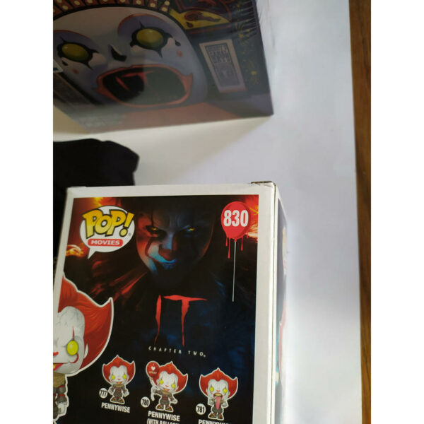 Figurine Pop Pennywise with beaver hat + tee shirt L